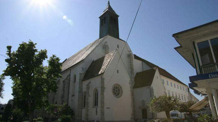 Fassade Neukloster Wiener Neustadt