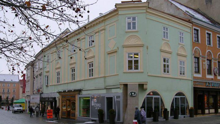 Fassadensanierung Hauptplatz Wiener Neustadt